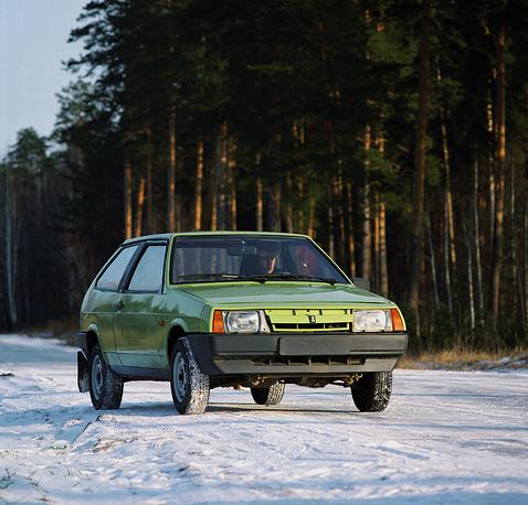 """В конце 1970-х гг. инженеры """"АвтоВАЗа"""" начали разрабатывать переднемоторный переднеприводный легковой автомобиль. На фото: ВАЗ-2108"""