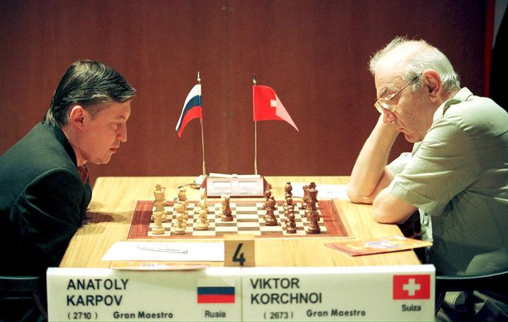 Анатолий Карпов и Виктор Корчной во время матча на Международном шахматном турнире в Дос-Эрманасе, Испания,  1999 год