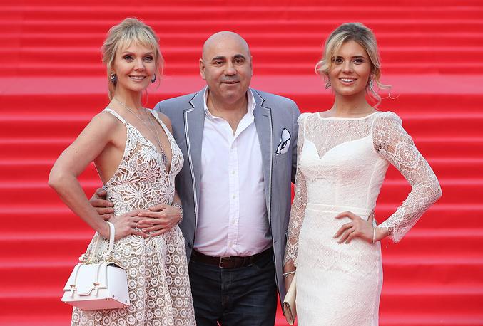 Певица Валерия, ее дочь, актриса Анна Пригожина, и продюсер Иосиф Пригожин