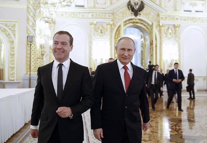 Премьер-министр РФ Дмитрий Медведев и президент РФ Владимир Путин