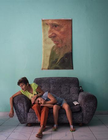 """Третье место в категории """"Люди"""", Кристина Кормилицына, за фотографию """"Верность"""", сделанную 12 февраля 2016 года на Кубе"""