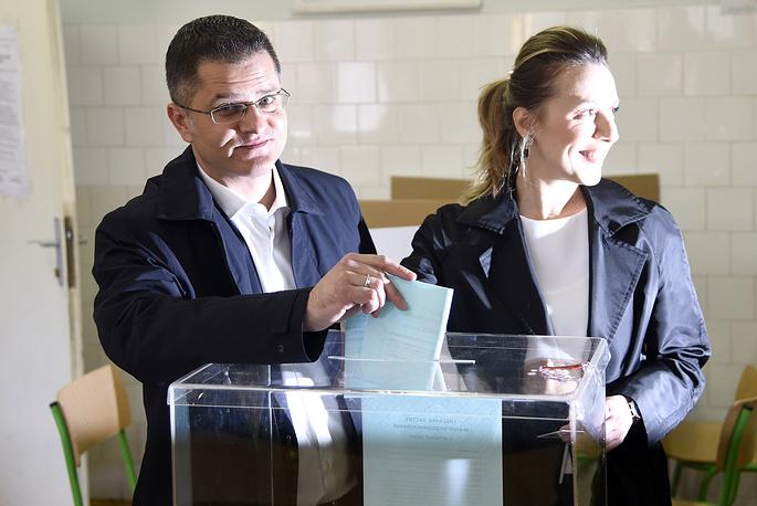 Кандидат в президенты, экс-глава МИД Сербии Вук Еремич