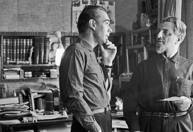 С писателем Виктором Ардовым, в семье которого он воспитывался с  пяти лет. 1964 год