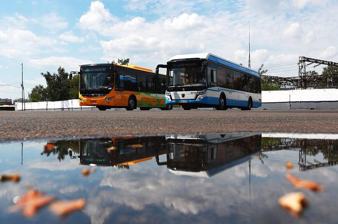 Электробус Yutong китайского производства и российский электробус ЛиАЗ-6274