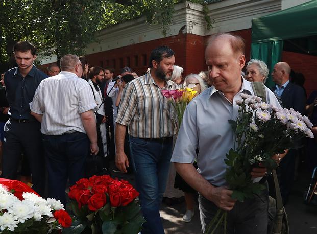 Актер Авангард Леонтьев (на первом плане)
