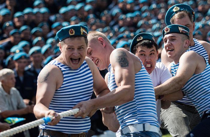 Спортивные соревнования на территории войсковой части 242-го учебного центра ВДВ, Омск