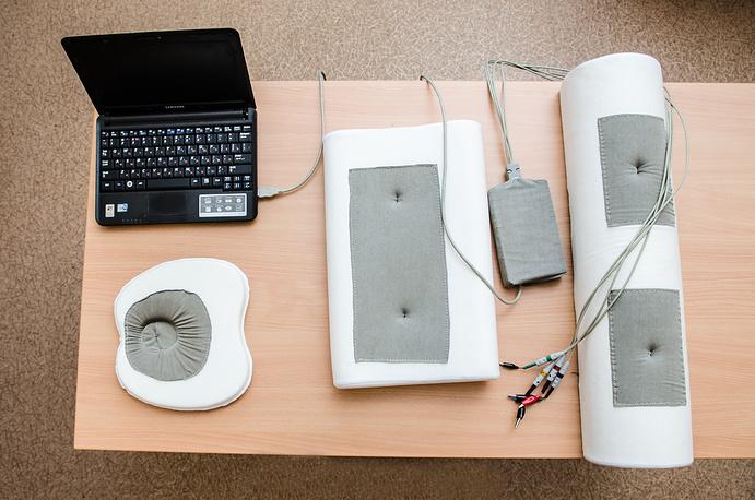 Образцы подушек с бесконтактным ЭКГ-мониторингом