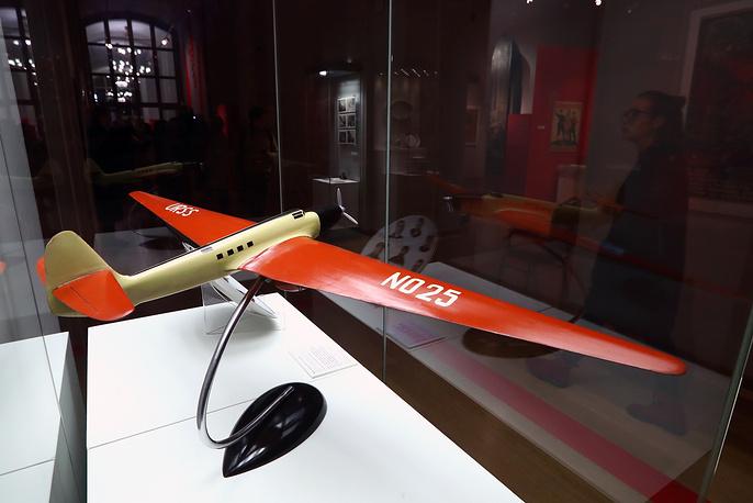 Модель самолета АНТ-25