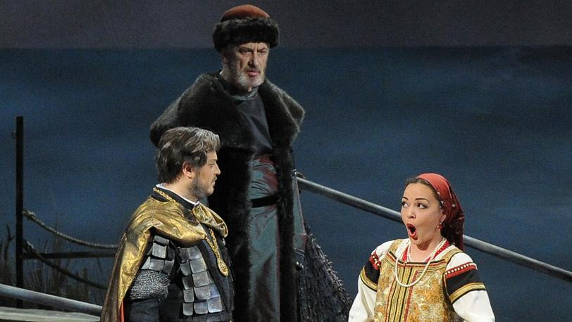 Владислав Сулимский в роли Князя, Вячеслав Почапский в роли Старого Дьяка и Анна Нечаева в роли Кумы (слева направо)