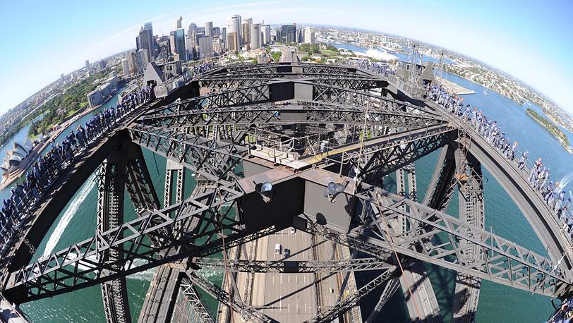 Вид на мост с вертолета