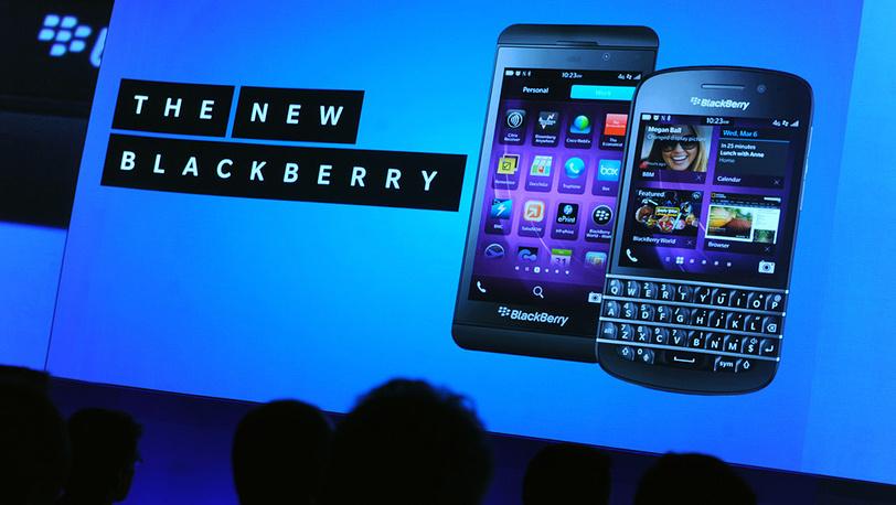 BlackBerry Z10 (слева) и BlackBerry Q10