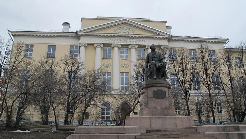Старое здание МГУ на Моховой