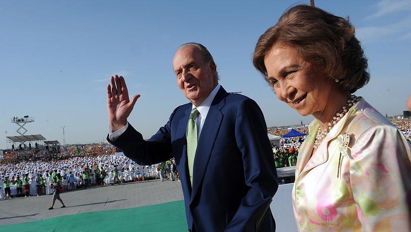 С супругой королевой Софией