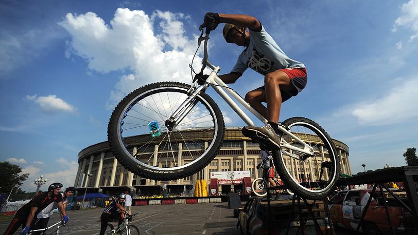 "Международный фестиваль мото-экстрима ""Bike Drive X-fest Cоntest"". 2010 год. Фото ИТАР-ТАСС/ Максим Шеметов"