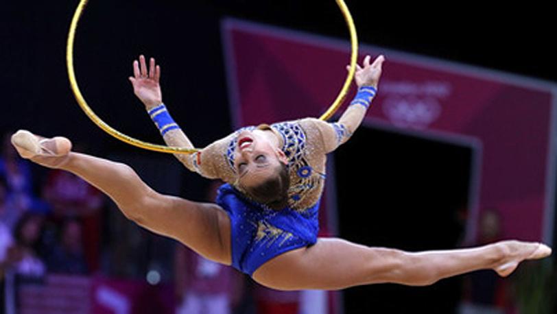 Евгения Канаева в упражнении с обручем