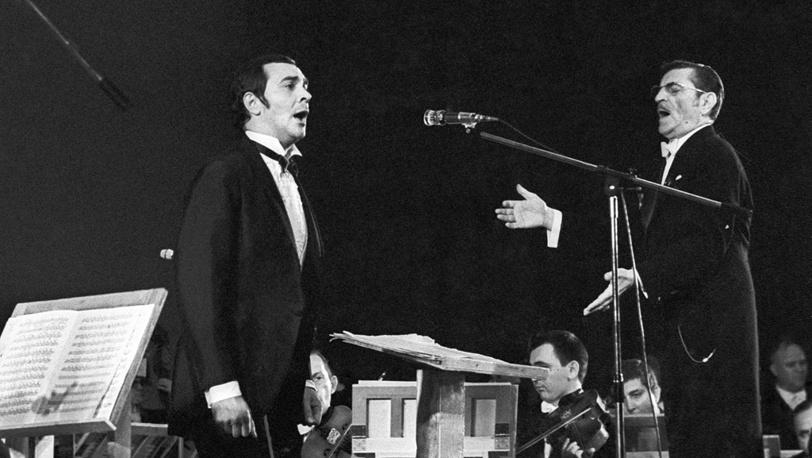 Поет Муслим Магомаев, дирижирует - народный артист СССР Ниязи, 1972 год
