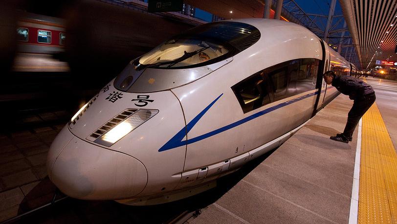 Китайский развивает скорость до 486 км в час
