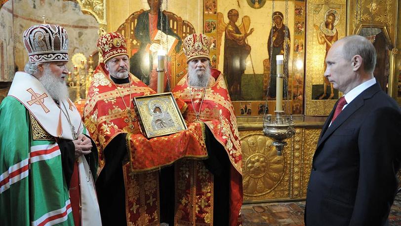 Владимир Путин в Благовещенском соборе Кремля, где патриарх Московский и всея Руси Кирилл совершил молебен по случаю инаугурации
