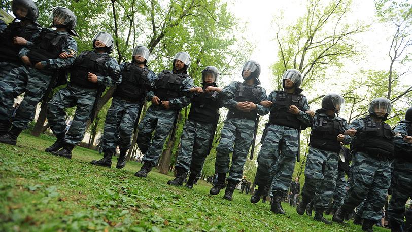 07.05.2012. Полиция пресекает шествие оппозиционеров на Чистопрудном бульваре