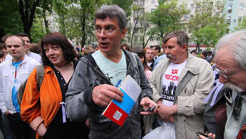 """Борис Немцов на """"народных гуляниях"""""""