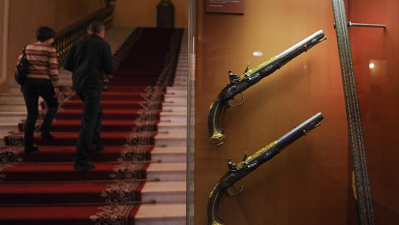 Парадные пистолеты с кремниево-ударными замками мастерской Ж.Раймона