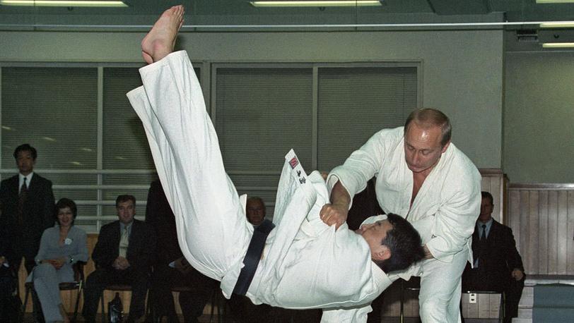 На татами. Фото ИТАР-ТАСС/Сергей Величкин и Владимир Родионов (ИТАР-ТАСС)