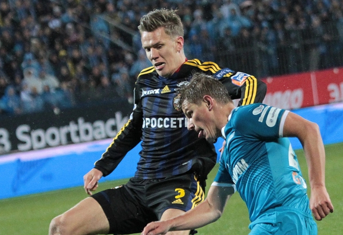 Андрей Аршавин в атаке на ворота армейцев