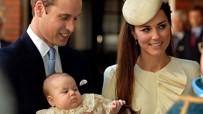 Герцог и герцогиня Кембриджские Уильям и Кейт во время церемонии крещения принца Георга.Фото AP Photo/John Stillwell/Pool