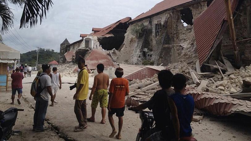 Последствия землетрясения на Филиппинах. Фото EPA/ROBERT MICHAEL POOLE