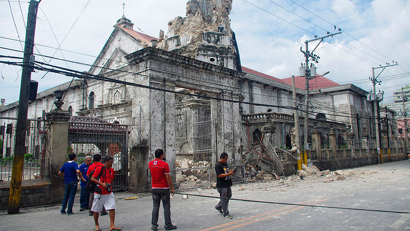 Последствия землетрясения на Филиппинах. Фото AP Photo/Chester Baldicantos