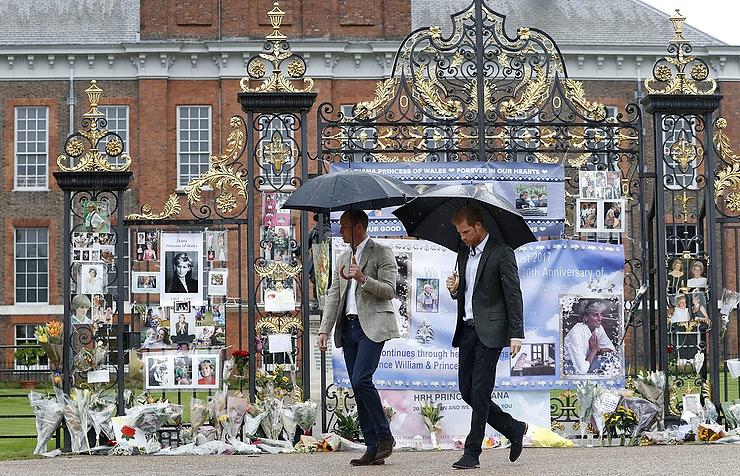Britons remembering Princess Diana 20 years after fatal car crash