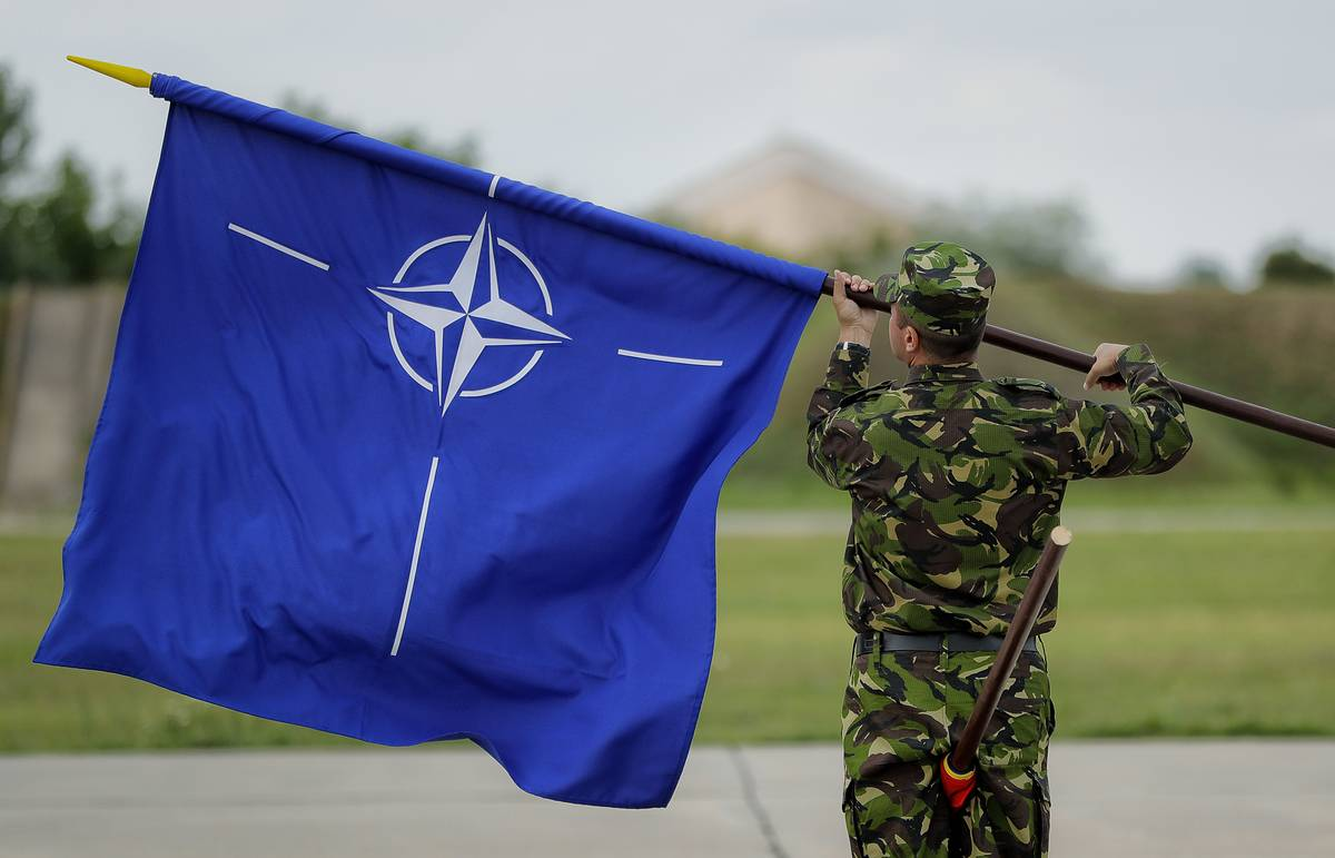 Russia's top diplomat warns Ukraine won't be able to hold NATO drills in Azov Sea
