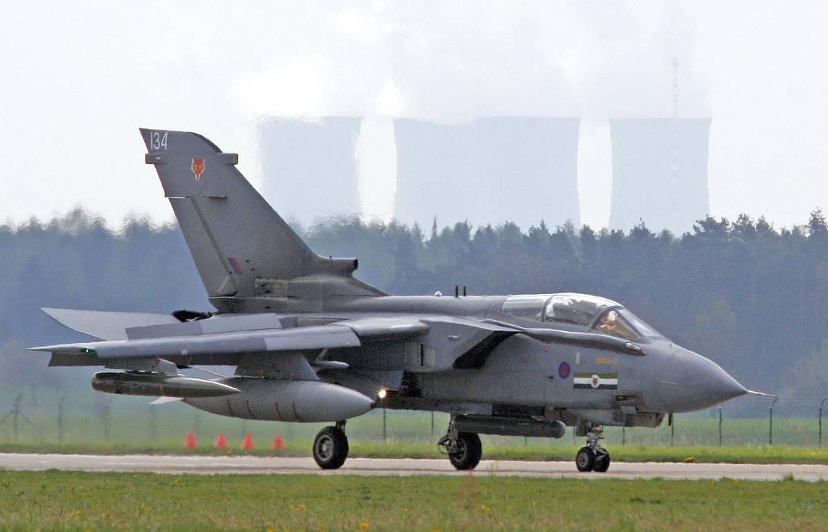 """В случае """"угрозы жизни"""" британским ВВС дано право атаковать самолеты РФ над Ираком"""