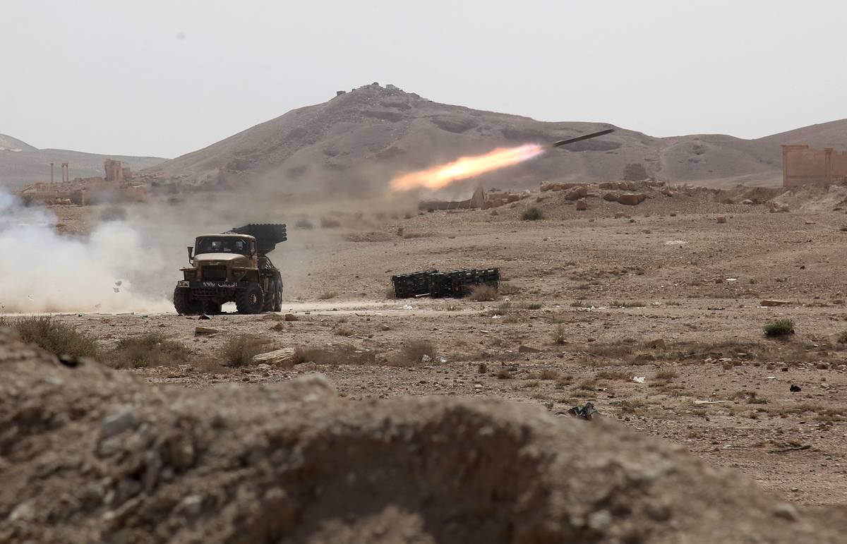Сирийские войска преследуют бандформирования к востоку от города Хама