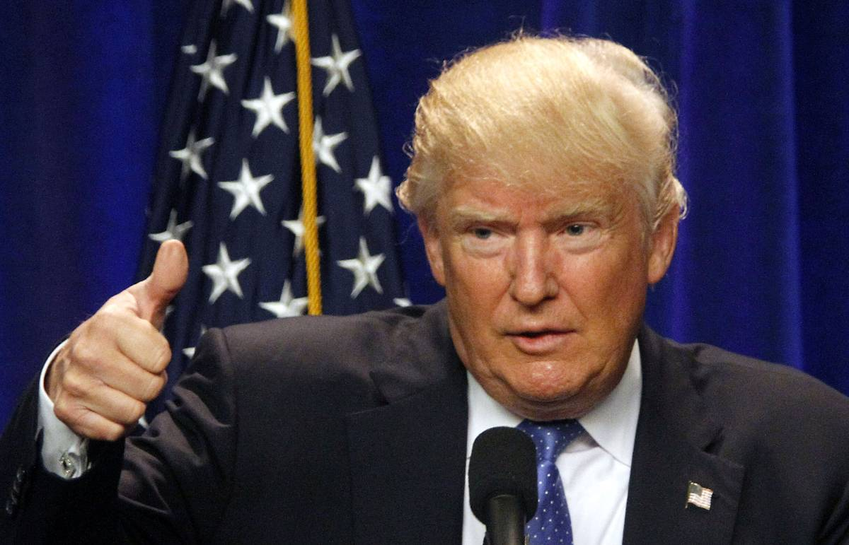 Опрос: Трамп сократил отставание от Клинтон по популярности после теракта в Орландо