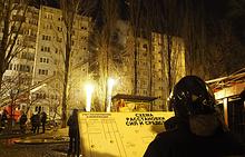Спасательные работы на месте взрыва бытового газа в жилом многоквартирном доме по улице Космонавтов