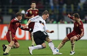 Эпизод из матча между сборными России и Германии (2009 год)