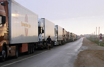 Trucks at the border between Russia and Latvia (archive)