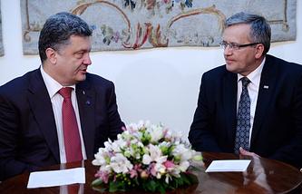 Ukrainian President-elect Petro Poroshenko and Polish President Bronislaw Komorowski