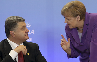 Ukrainian President Petro Poroshenko and German Chancellor Angela Merkel (archive)