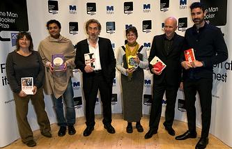 "Booker prize ""shortlist"" authors (left to right): Аli Smith, Neel Mukherjee, Howard Jacobson, Karen Joy Fowler, Richard Flanagan, Joshua Ferris"