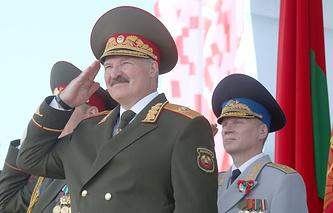 Belarus President Alexander Lukashenko (center)