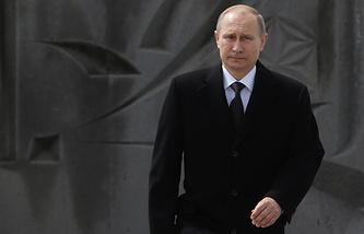 Vladimir Putin at the memorial