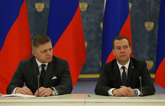 Slovak Prime Minister Robert Fico and Russian Prime Minister Dmitry Medvedev