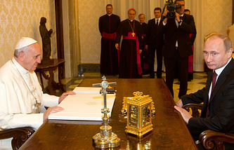 Pope Francis and Russian president Vladimir Putin in Vatican