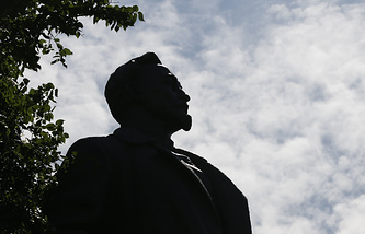 A statue of Bolshevik and Soviet statesman Felix Dzerzhinsky in Muzeon Park in Moscow