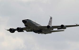 RC-135 reconnaissance aircraft
