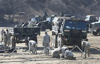 US Army soldiers prepare their military exercise in Paju, near the border with North Korea, South Korea
