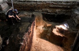 An archaeologist seen during excavations in the downtown Moscow
