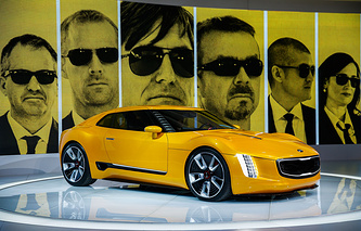 Концепт Kia GT4 на автосалоне в Детройте